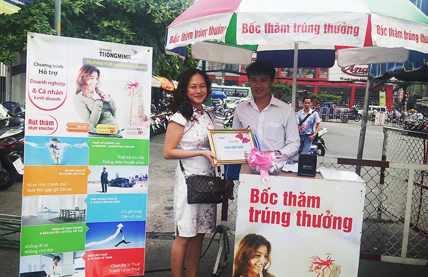 Chúc mừng chị Trang CT Hùng Lâm Dương nhận giải đặc biệt tại hội chợ Thực Phẩm 2015