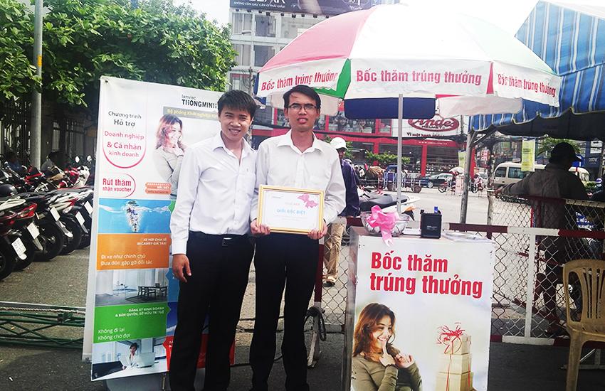 Chúc mừng anh Tài Cty Lam Sơn nhận giải đặc biệt tại hội chợ Thực Phẩm 2015